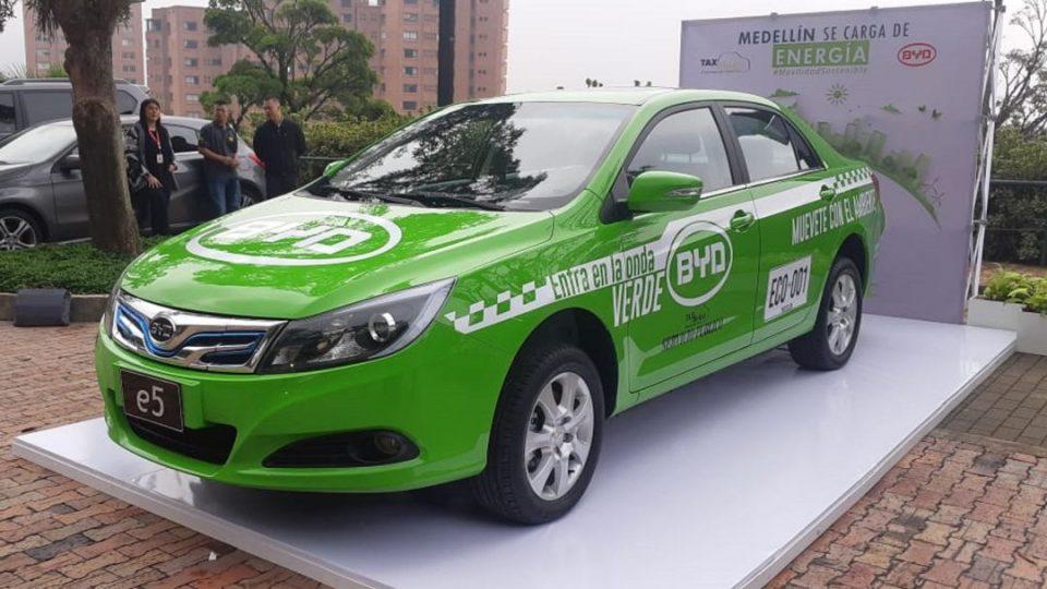 Medellín quiere tener 200 taxis eléctricos antes de finalizar el año